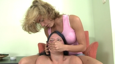 Smother extreme / Handsmother -By Domina Lara Lane And Her Slave Gina