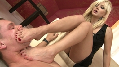 Footsmother -Domina Lea Lexis And Slave Gary Corona
