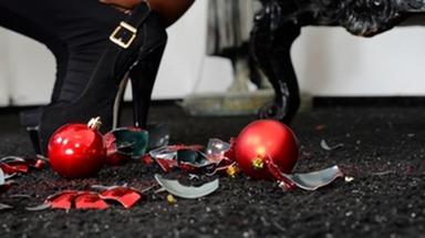 Crush Feets - I hate Xmas - Top Arabian Domina Cecilia Fernandez