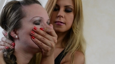 Smother extreme / Handsmother -By Domina Dorotthy Black And Her Slave Melania